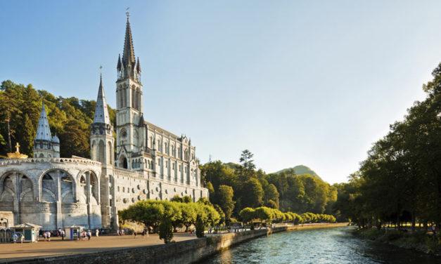 Lourdes et le tourisme religieux (croquis)