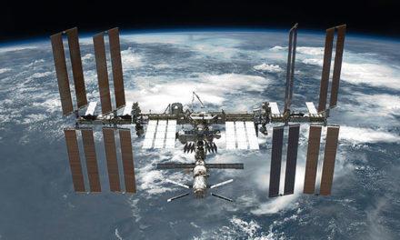 Image illustrant l'article 1280px-STS-134_International_Space_Station_after_undocking de Clio Prépas