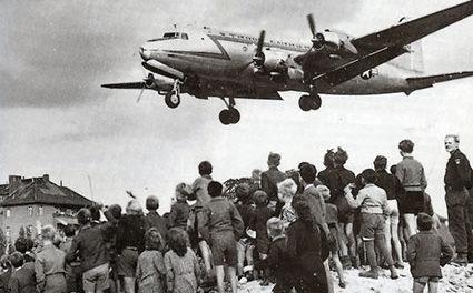 Image illustrant l'article C-54landingattemplehof de Clio Prépas
