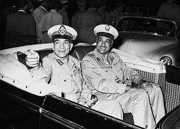 Image illustrant l'article Nasser_and_Naguib,_1954 de Clio Prépas