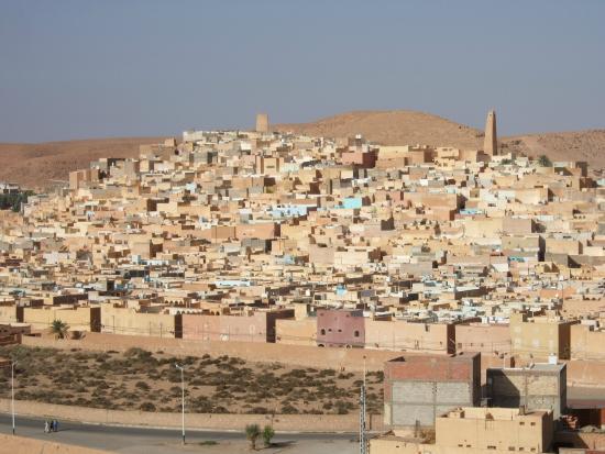 Les villes secondaires en Afrique du Sahel et du Sahara à la Méditerranée