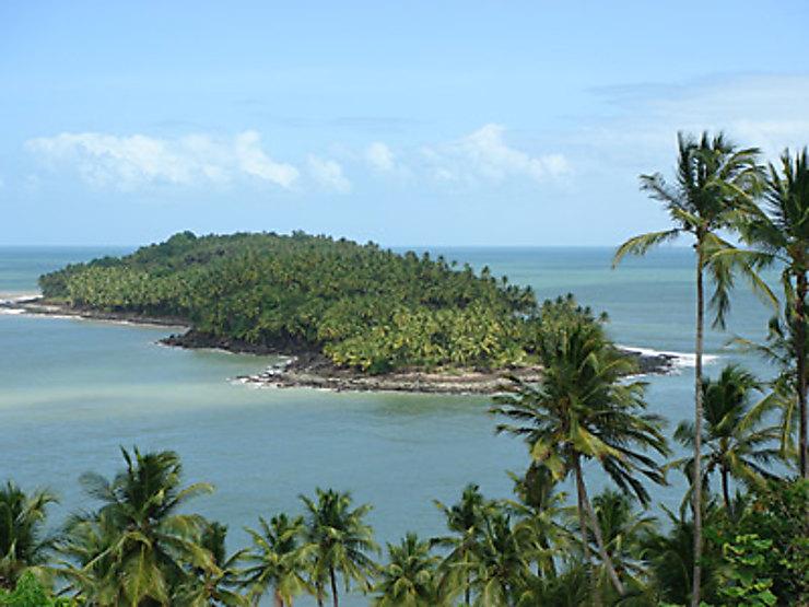 Logiques et formes de continuité et de discontinuité spatiale : la Guyane française